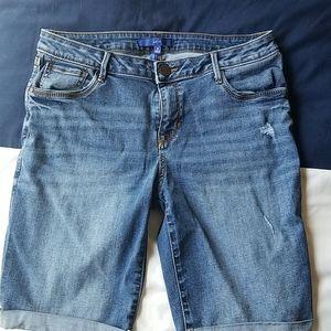 Light wash denim Bermuda shorts, size 10